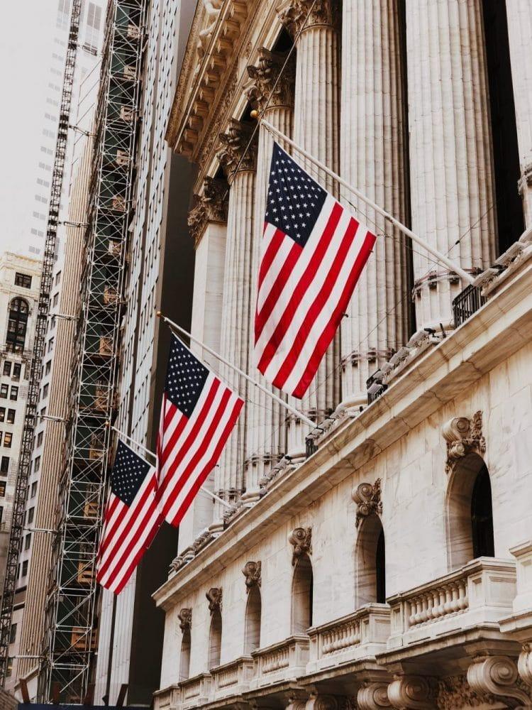 Le gouvernement Américain fait un appel d'offre pour passer ses services sur la blockchain
